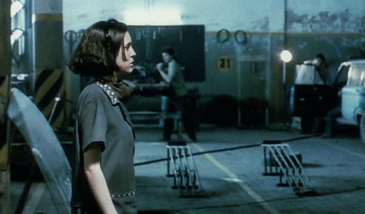 Olimpo Garajı Film Eleştirisi ve İncelemesi görsel 1